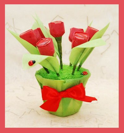 Homemade mothers day gifts diy candy bouquet tulips from for Homemade edible mother s day gifts